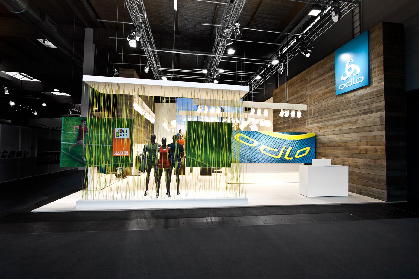 Corner Exhibition Stands Yard : Laborrotwang berlin odlo at outdoor